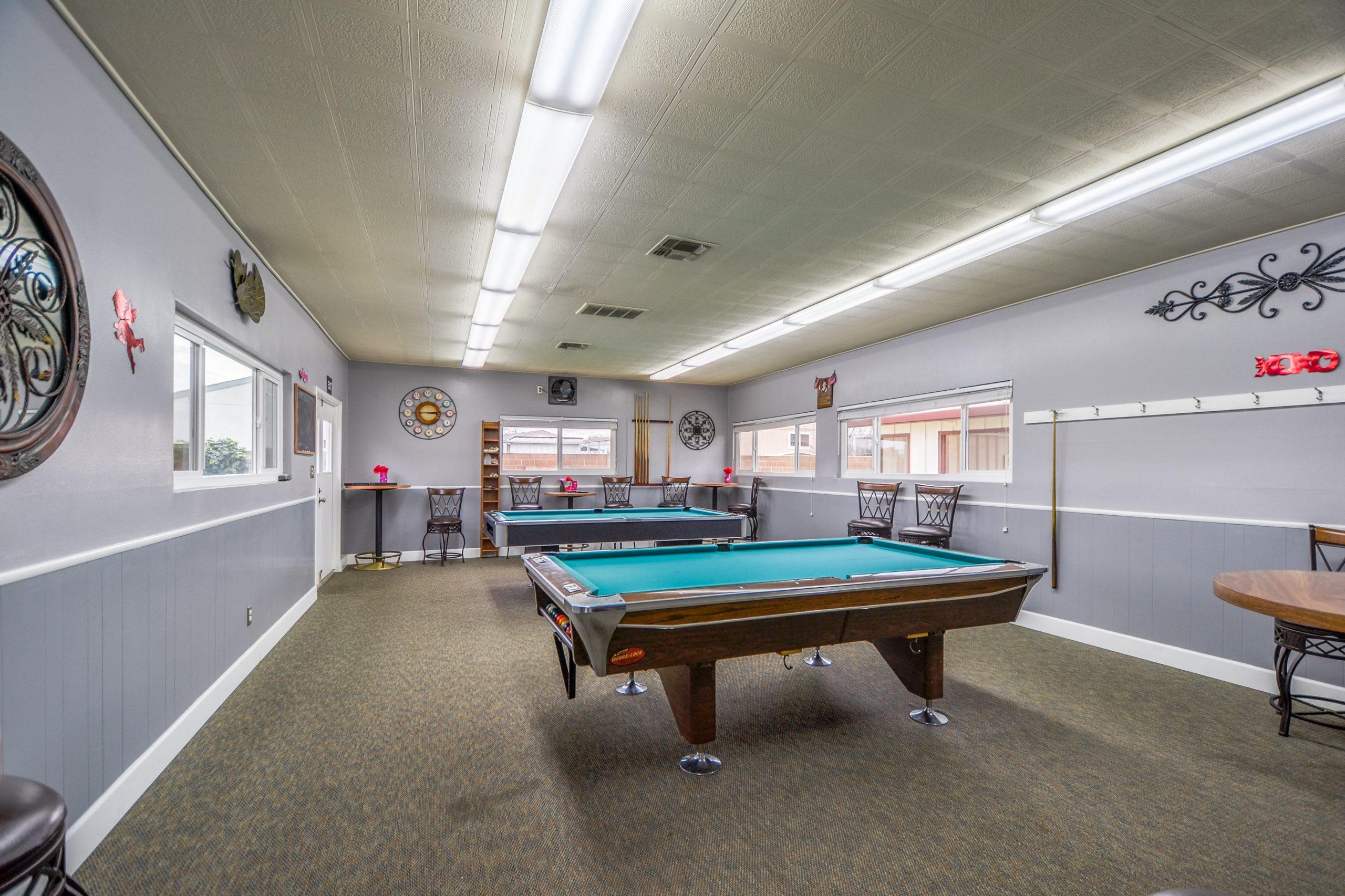 Club house Billiards Table